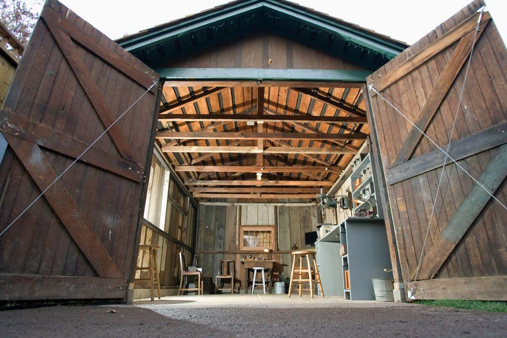 20120214110721 HP garage 1 1024x683 - Как открыть бизнес в своем гараже?