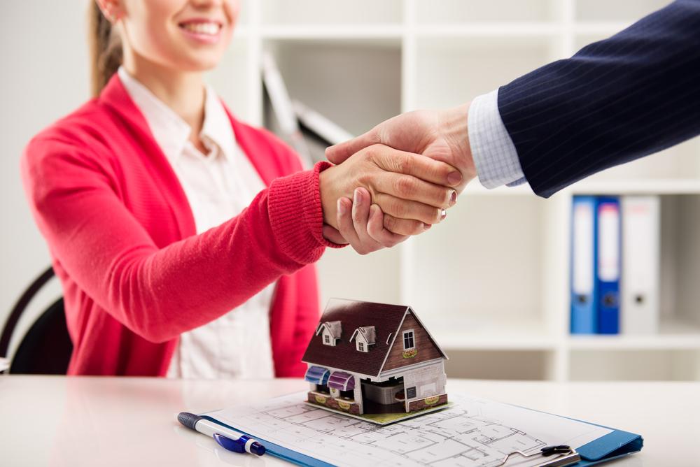 Depositphotos 71960275 m 2015 - Открытие агентства недвижимости в маленьком городе - с чего начать и прибыльно ли это