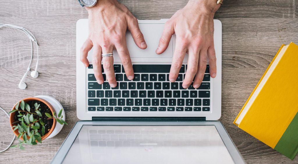 DeathtoStock Medium6 e1432198205896 1024x566 - Написание статей - как писать статьи хорошо и дорого