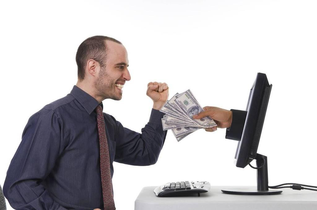 making money on the internet1 1024x680 - В какую партнерку выгоднее инвестировать
