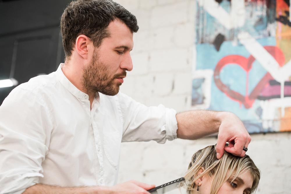 Depositphotos 118678398 m 2015 - Как открыть парикмахерскую в маленьком городе. Пошаговый бизнес план