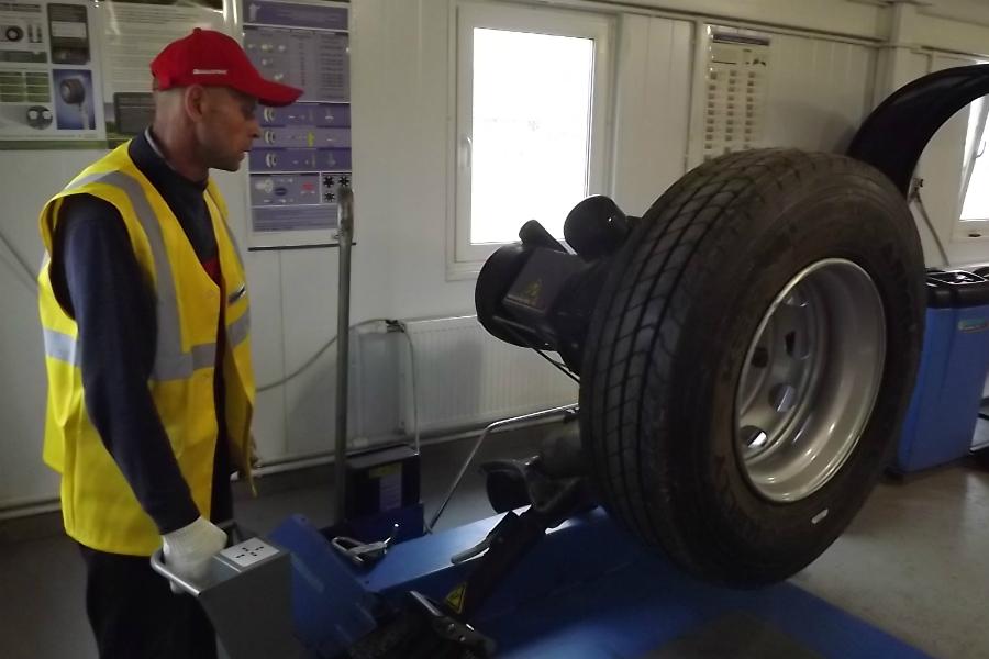 shinomontazh 8 - Как открыть мастерскую по грузовому шиномонтажу