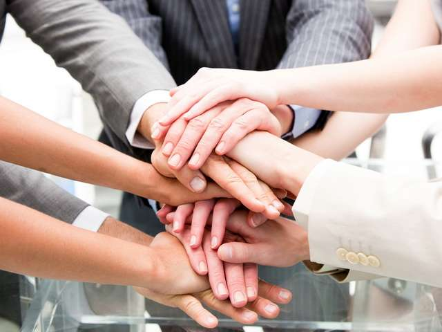 team - Онлайн школа своими руками: как зарабатывать 500 000 рублей в месяц