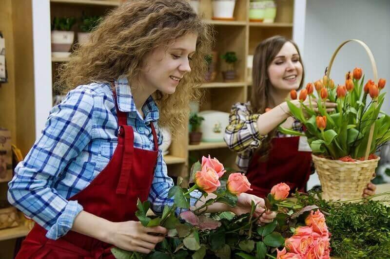 personal czvetochnogo magazina - Цветочный бизнес