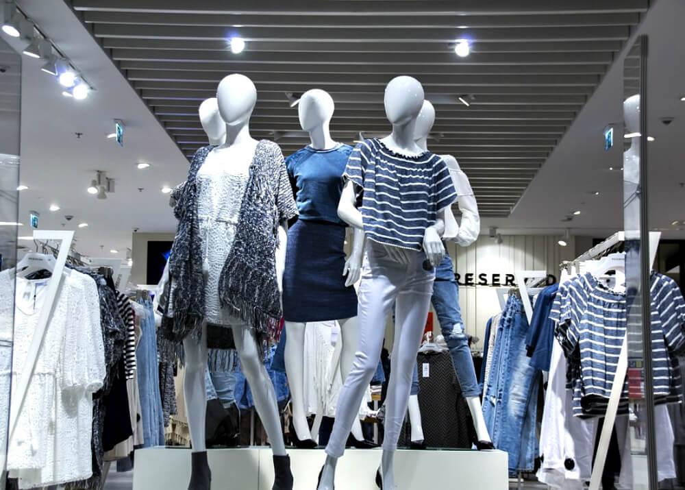shop  boutique  mannequin  clothes1 - Как открыть магазин одежды
