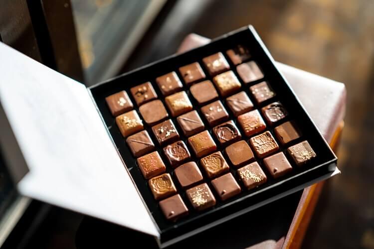 photo 1548741487 18d363dc4469 - Сладкий бизнес – 10 способов производства шоколада