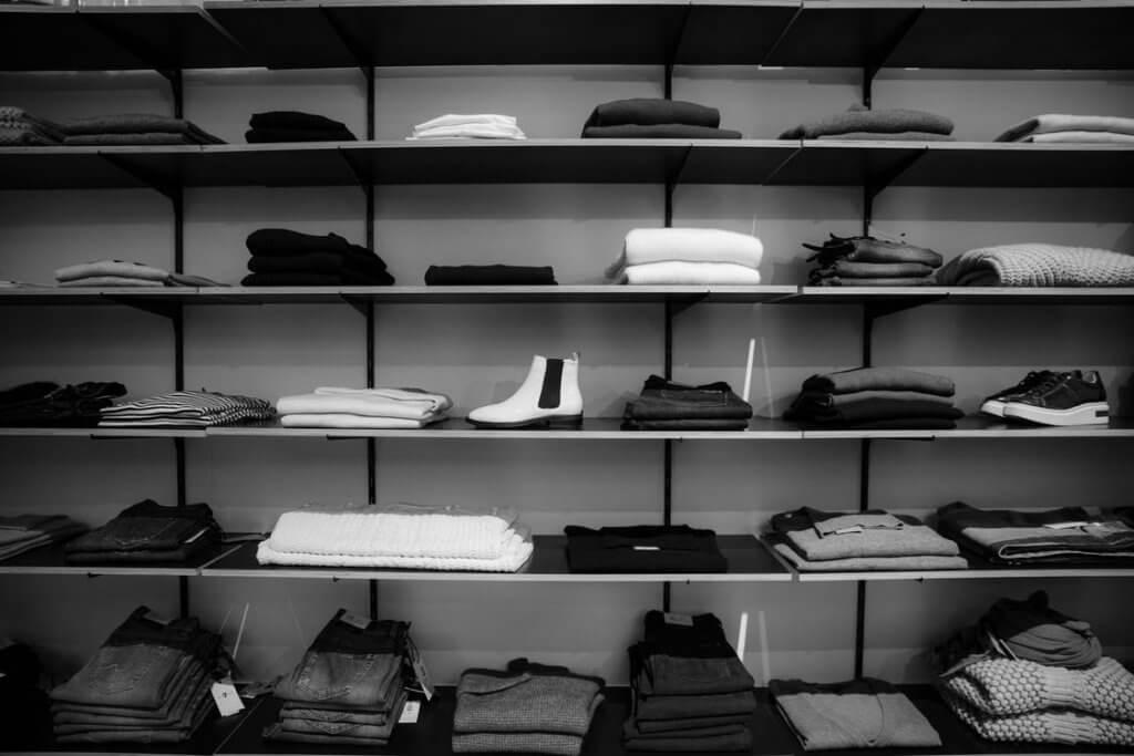 pexels photo 1884581 1024x683 - Пошаговый план открытия интернет-магазина одежды с нуля