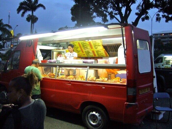 Chinese food truck in Noum a New Caledonia 2011 - Как открыть кафе на колесах: пошаговый бизнес-план с расчетами