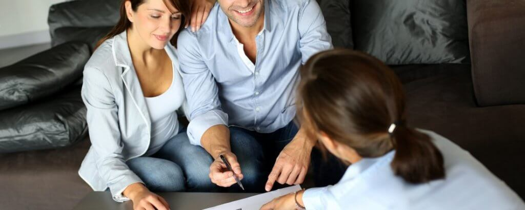 111shutterstock 115953430 1100x440 1 1024x410 - Как организовать бизнес на субаренде квартир